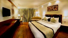 Hotel Regent Grand Premium rooms for accomodation in central Delhi.
